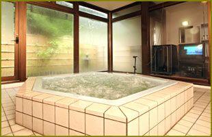ストッキングやぶりにカラオケ付き貸切風呂。。。送別会の夜は更けて